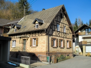 1416691_ocher_half-timbered_house